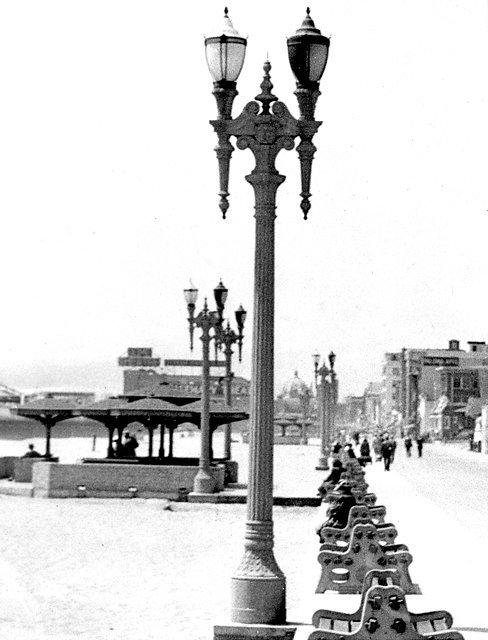 OceanParkStreelightWWII5-26-42.jpg